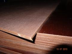 Plywood laminated by FSF with shipment across Ukraine